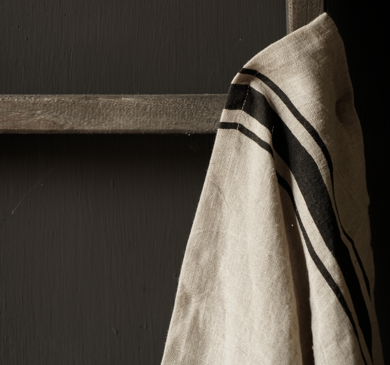 linen kitchen towel with black stripe-3