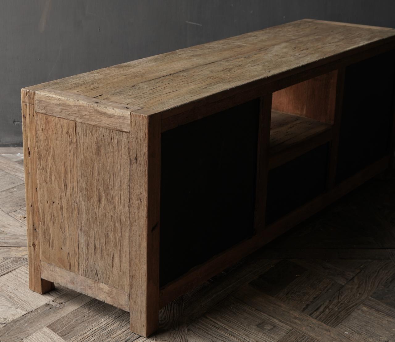 TV-Möbel / Sideboard aus altem, robustem Holz-5