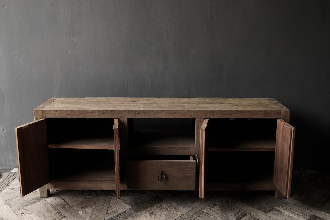 TV-Möbel / Sideboard aus altem, robustem Holz-6