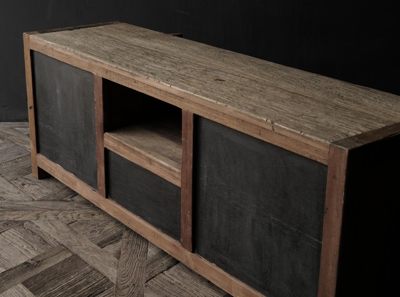 TV-Möbel / Sideboard aus altem, robustem Holz-7