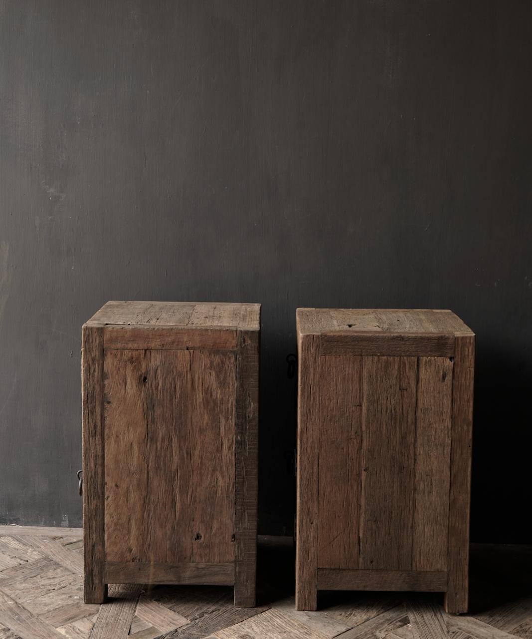 Set Oude stoer houten kastjes  oftewel nachtkastjes-4