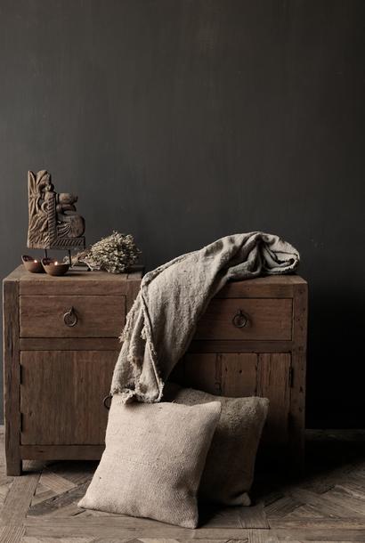 Set Oude stoer houten kastjes  oftewel nachtkastjes