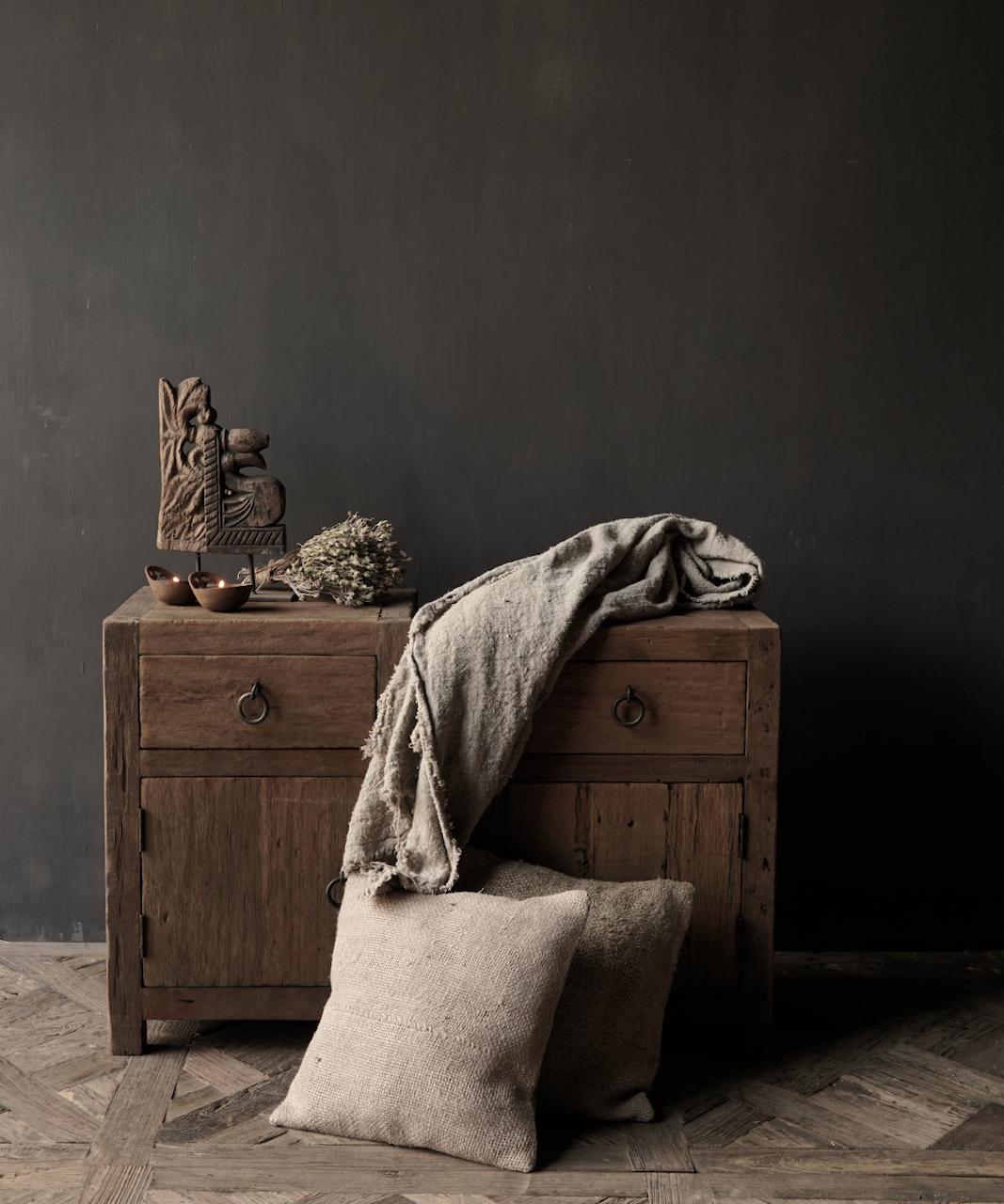 Set Oude stoer houten kastjes  oftewel nachtkastjes-1