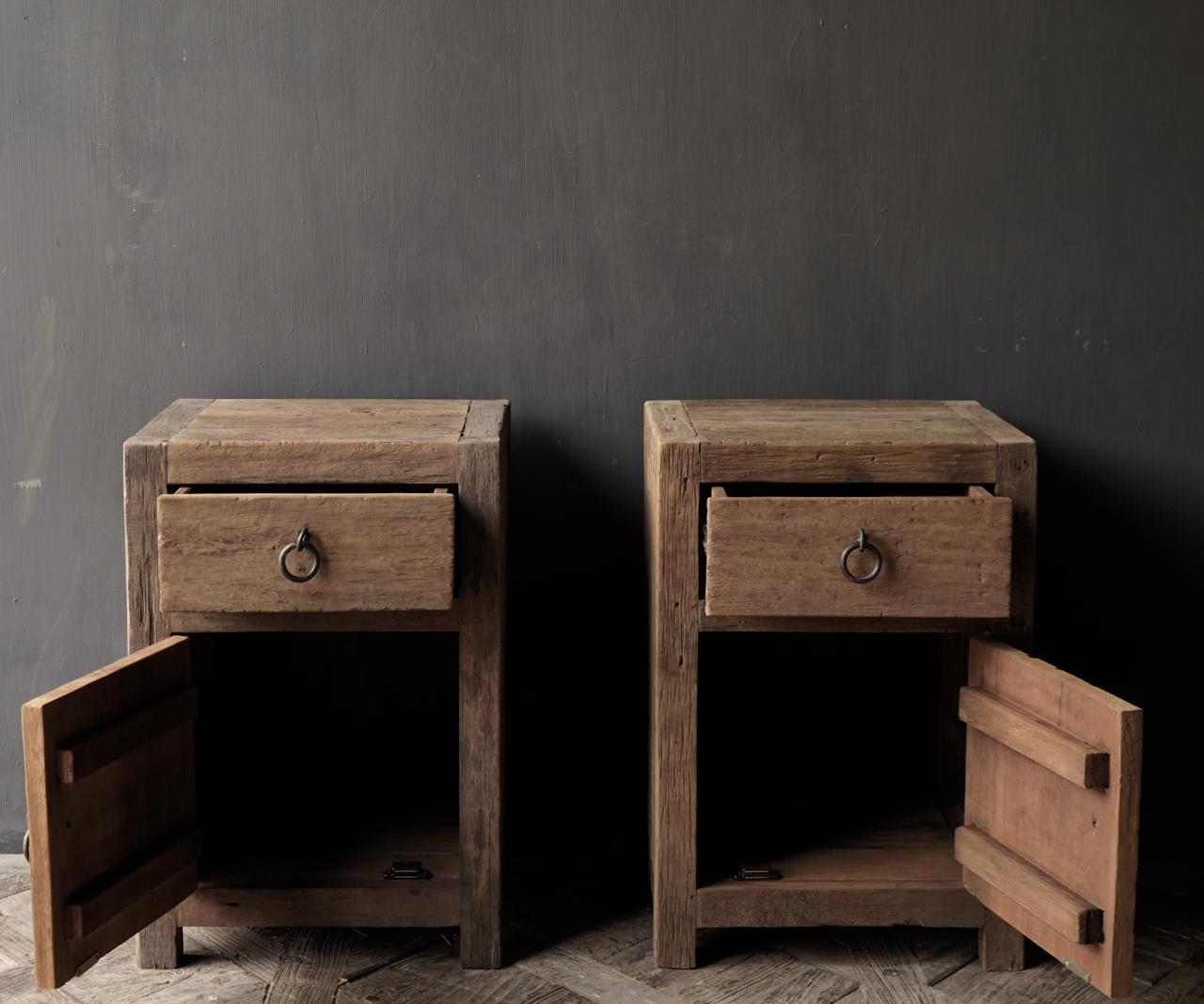 Set Oude stoer houten kastjes  oftewel nachtkastjes-3