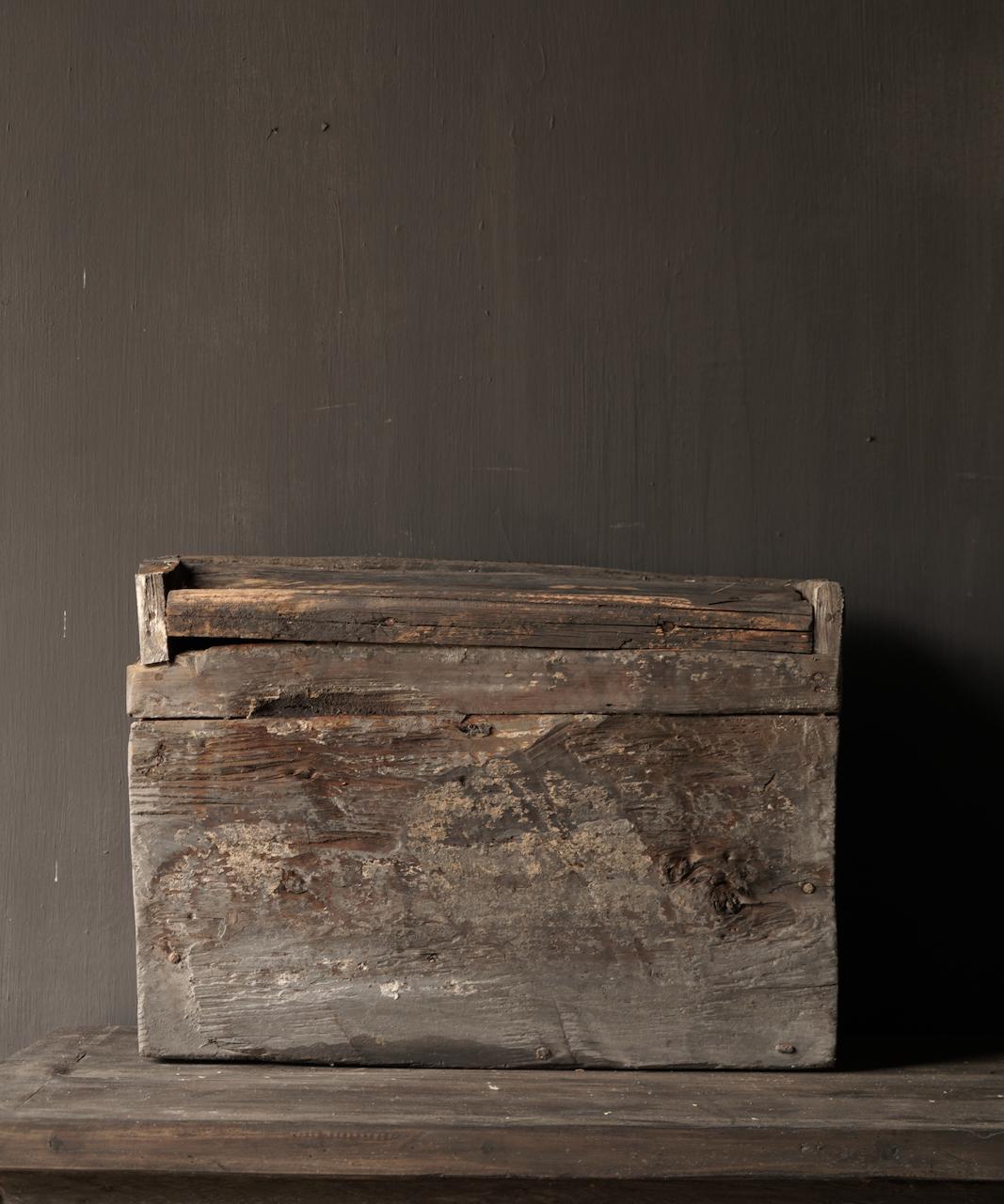 Robuste alte Himalaya-Box / Box-3