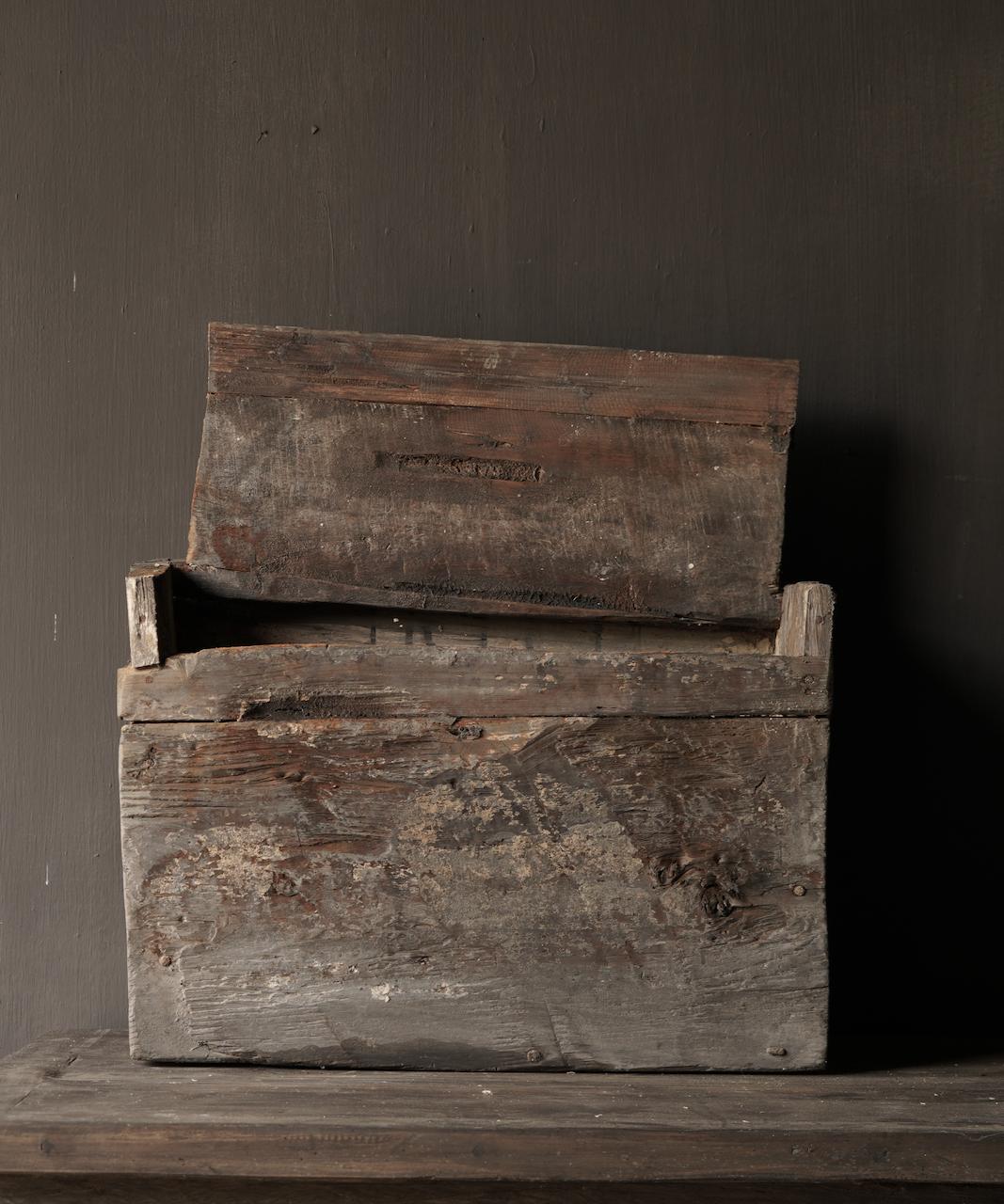 Robuste alte Himalaya-Box / Box-5