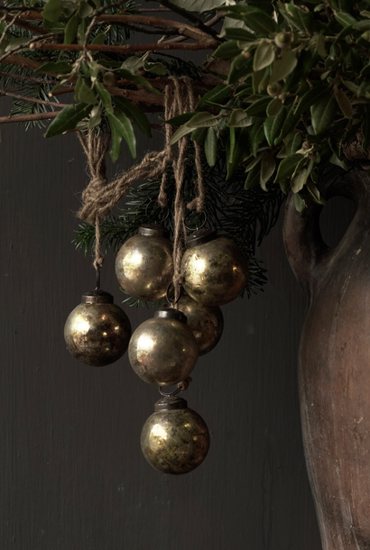 Rope with six dirty silver / gold glass Christmas balls
