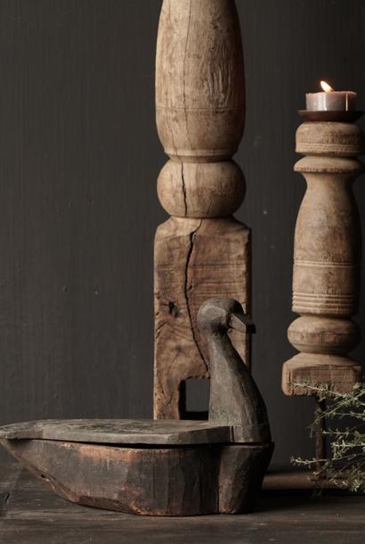 Oude nepaleese houten spice box  (Olie bakje)