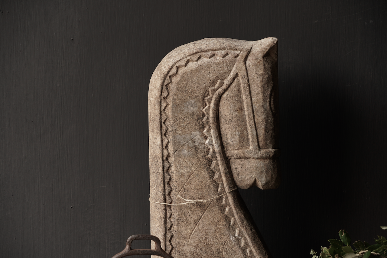 Heavy Sandstone horse head-2