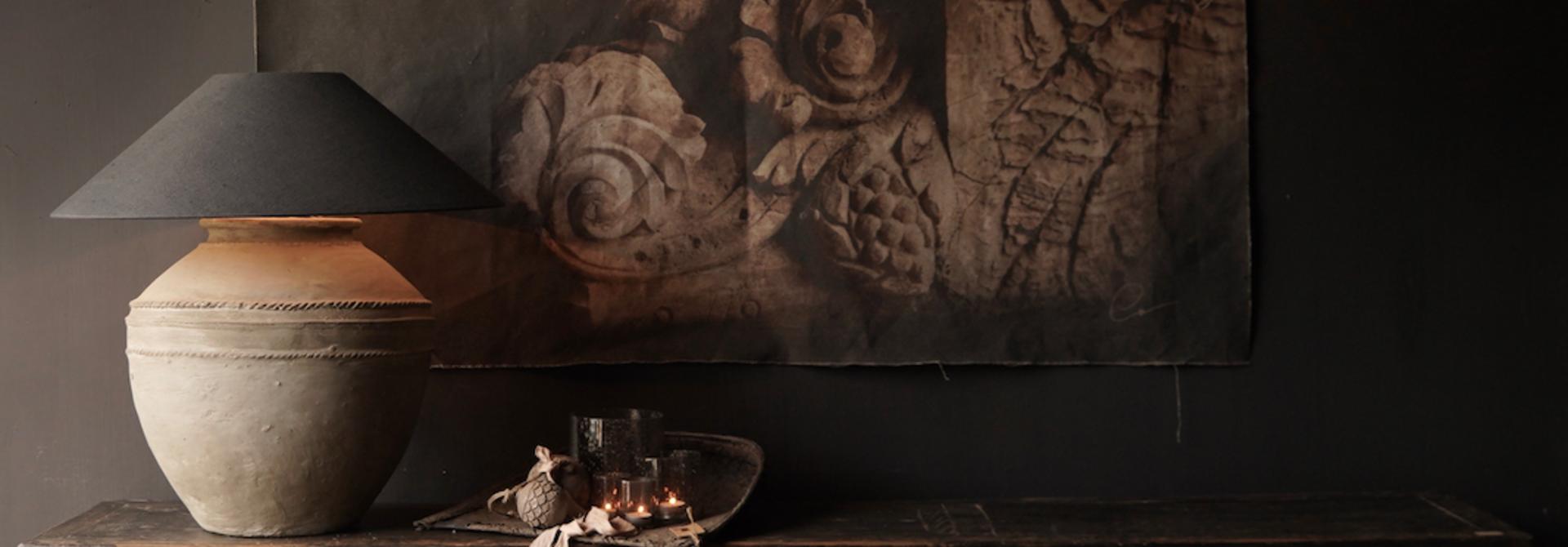 Oude Authentieke Zwart/Bruin  Dressoir met  vier deurtjes en twee lades