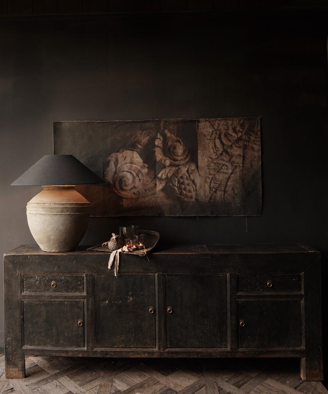 Oude Authentieke Zwart/Bruin  Dressoir met  vier deurtjes en twee lades-1