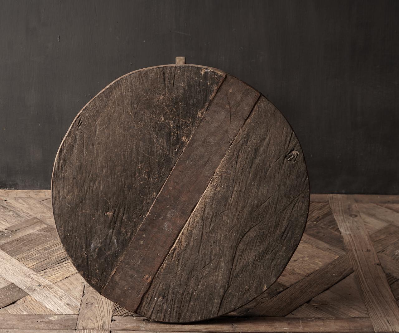Robuster robuster runder Weintisch aus altem gebrauchtem Holz 60cm-4