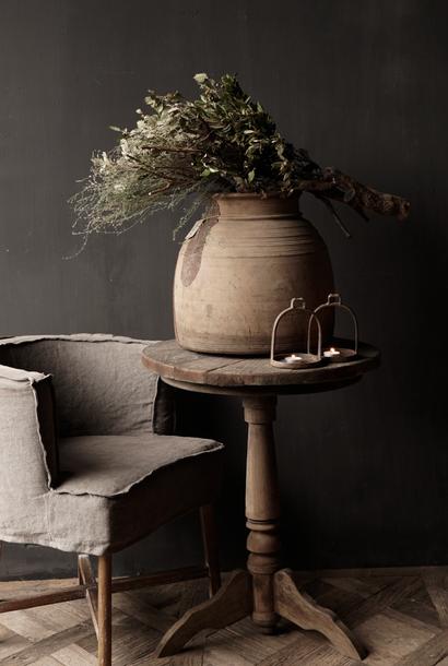 Stoere  robuuste ronde wijntafel gemaakt van oud gebruikt hout  60cm