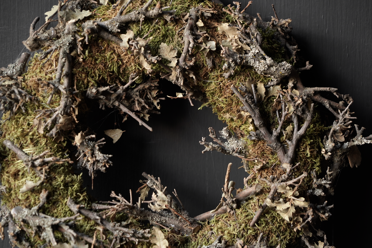Moss wreath with twigs-4