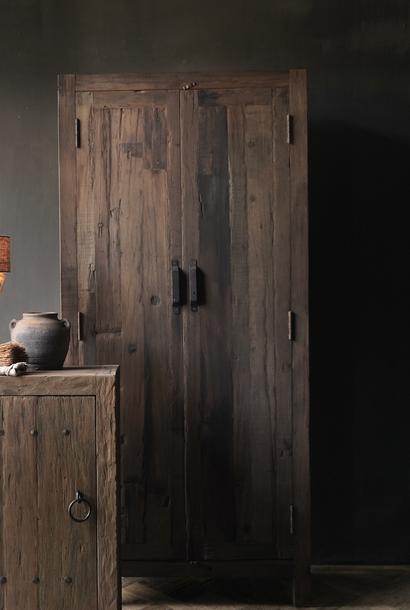 Stoer Landelijk  oud houten tweedeurs kast