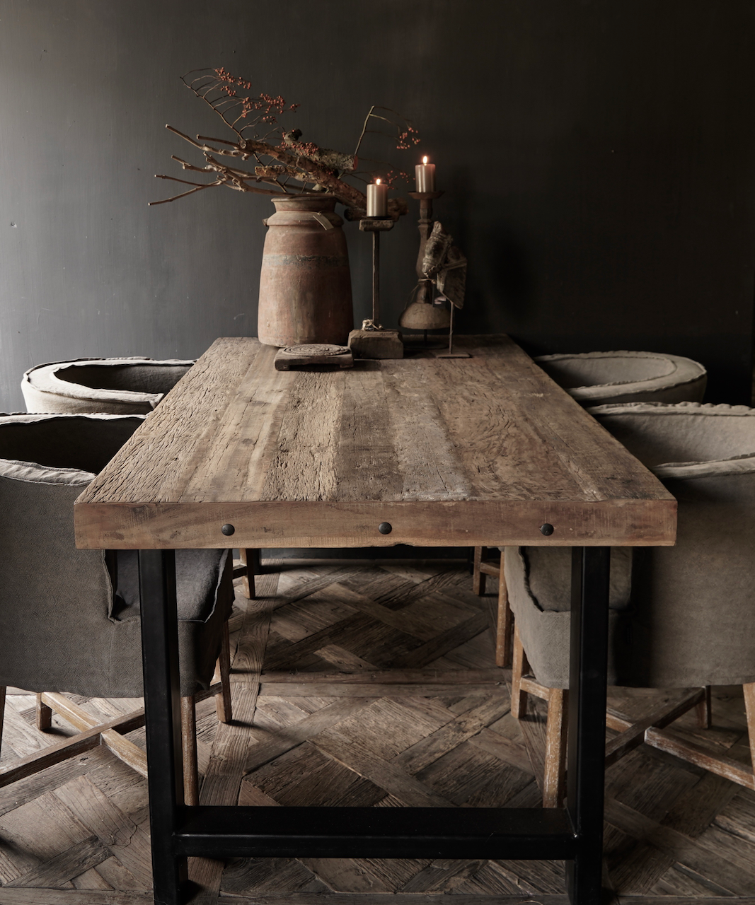 Driftwood dining table with sturdy iron leg-1