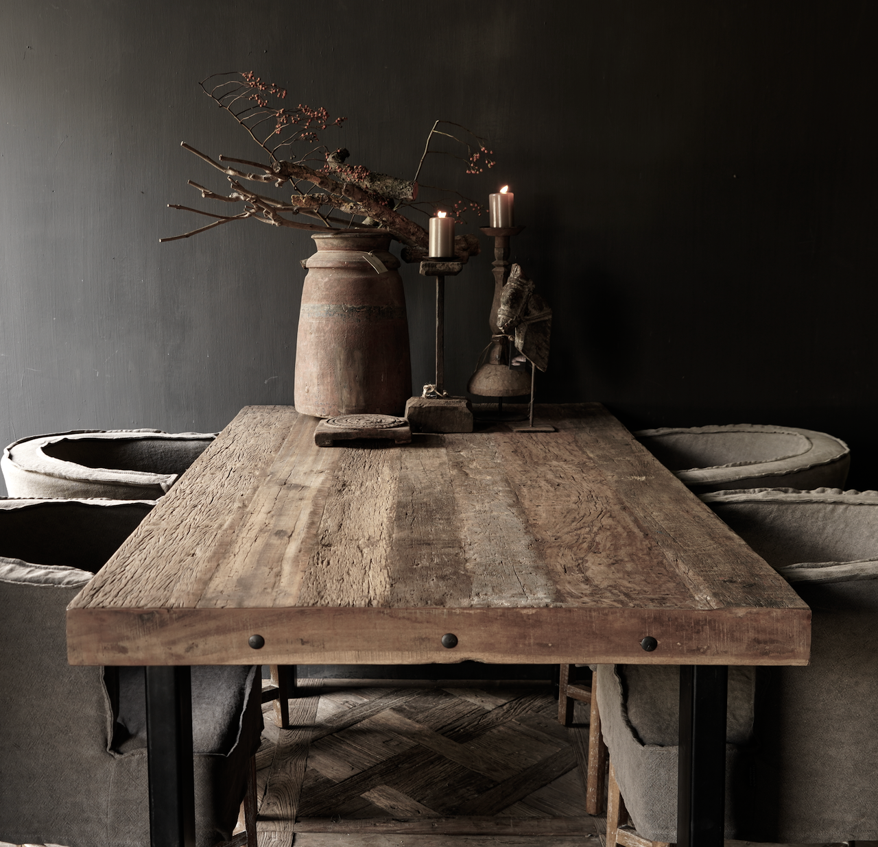 Driftwood dining table with sturdy iron leg-4