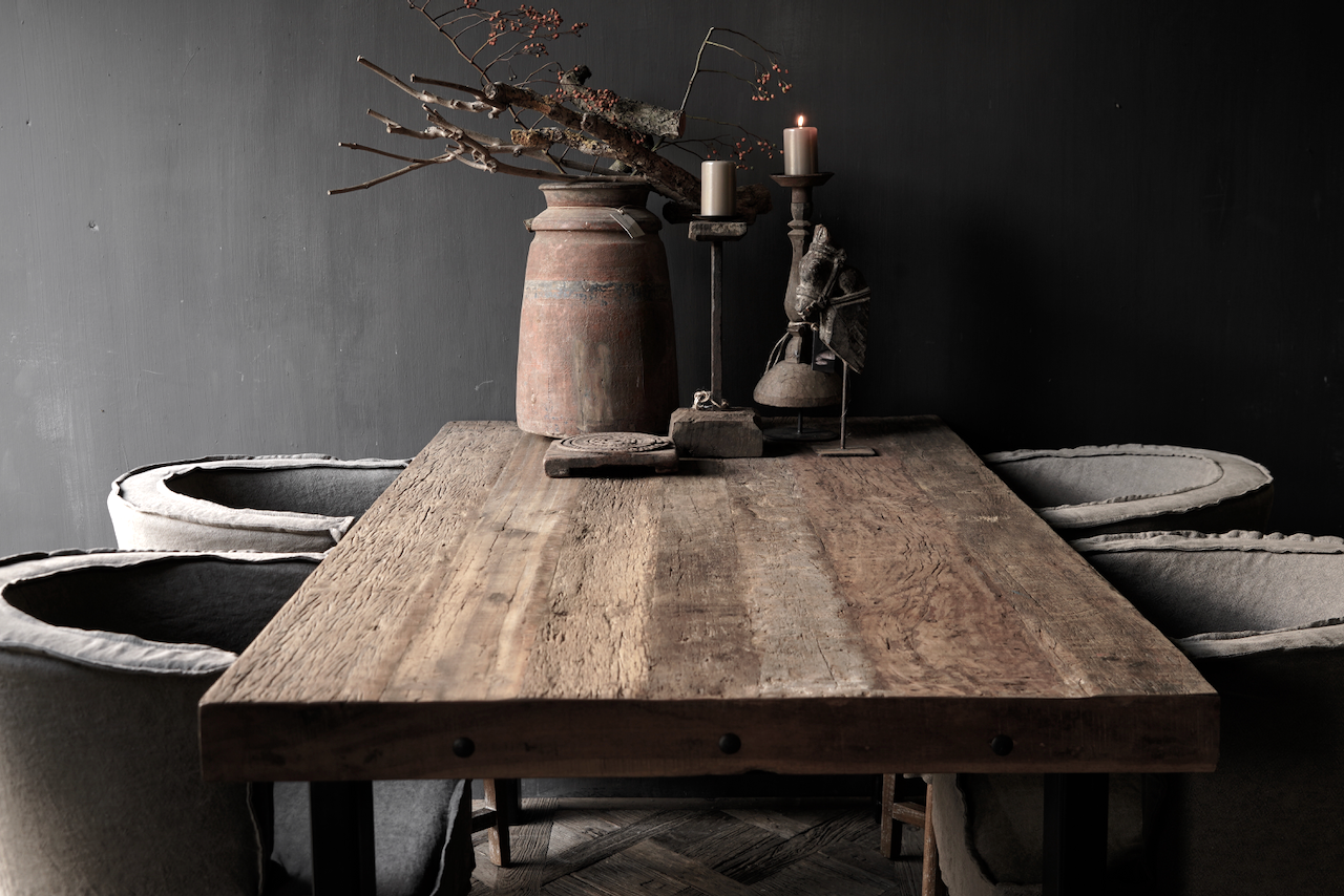 Driftwood dining table with sturdy iron leg-6