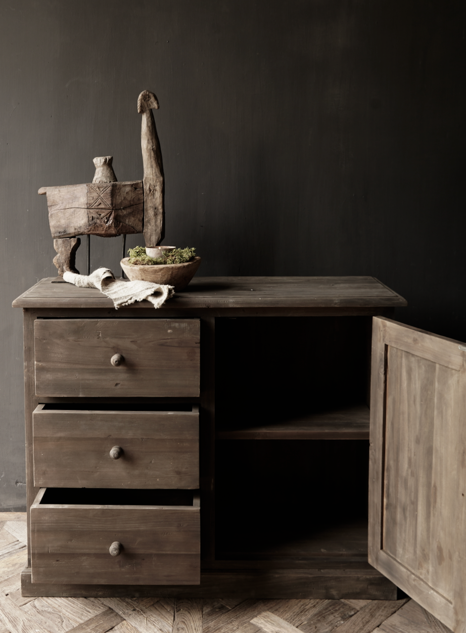 Old wooden drawer cabinet with a door Lieke-2