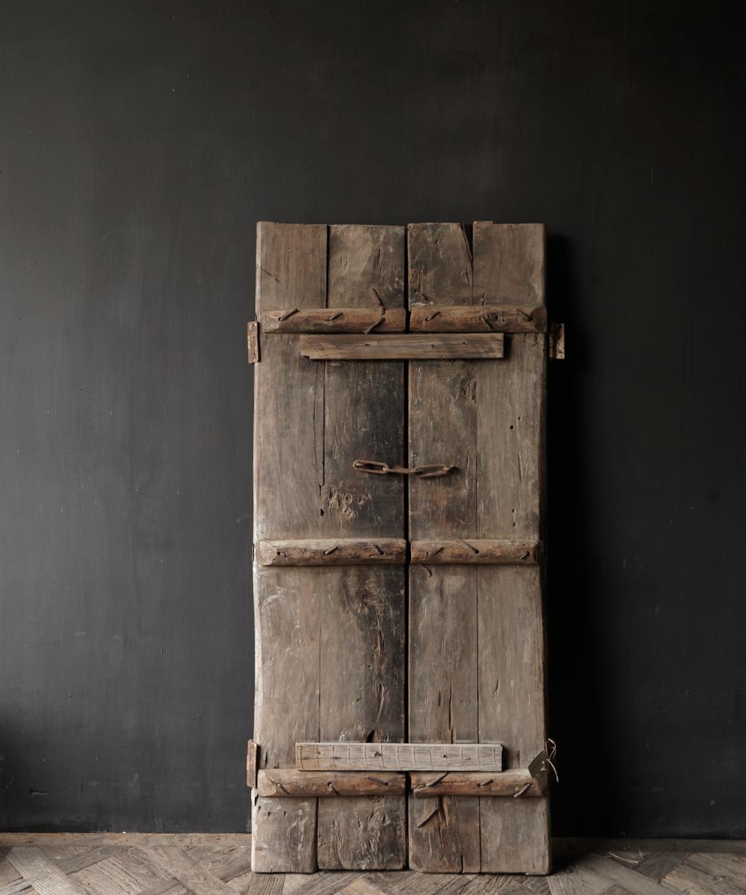 Schöne einzigartige alte antike nepalesische Holztür-3
