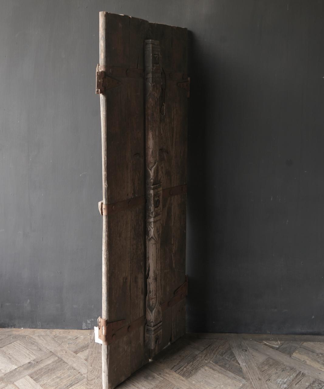 Schöne einzigartige alte antike nepalesische Holztür-4