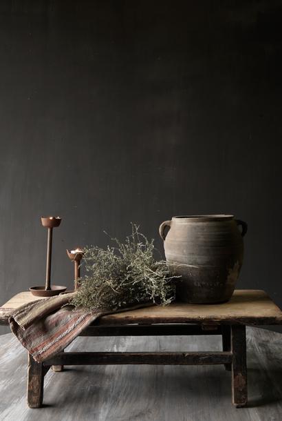 Alter hölzerner Tee / Bajot Tisch
