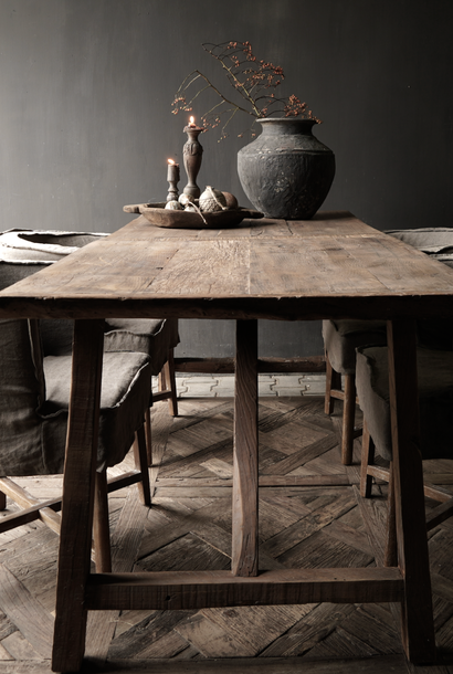 Tough Dining room table made of used fruit trees wood