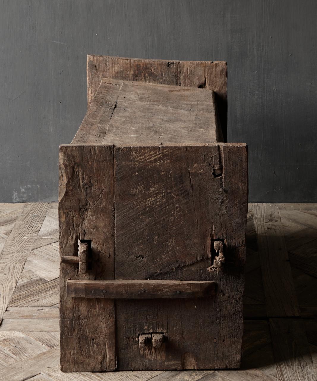Tough old Himalayan Chest / Box-4