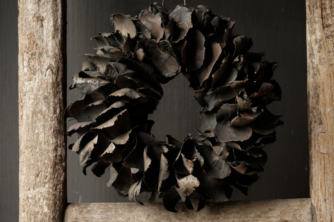Tough palm Fruit wreath Black-2