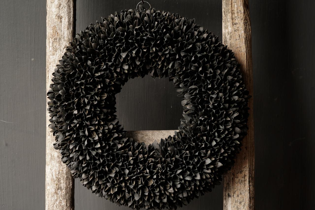 Bakuli (Buche Nüsse) Kranz schwarz-3