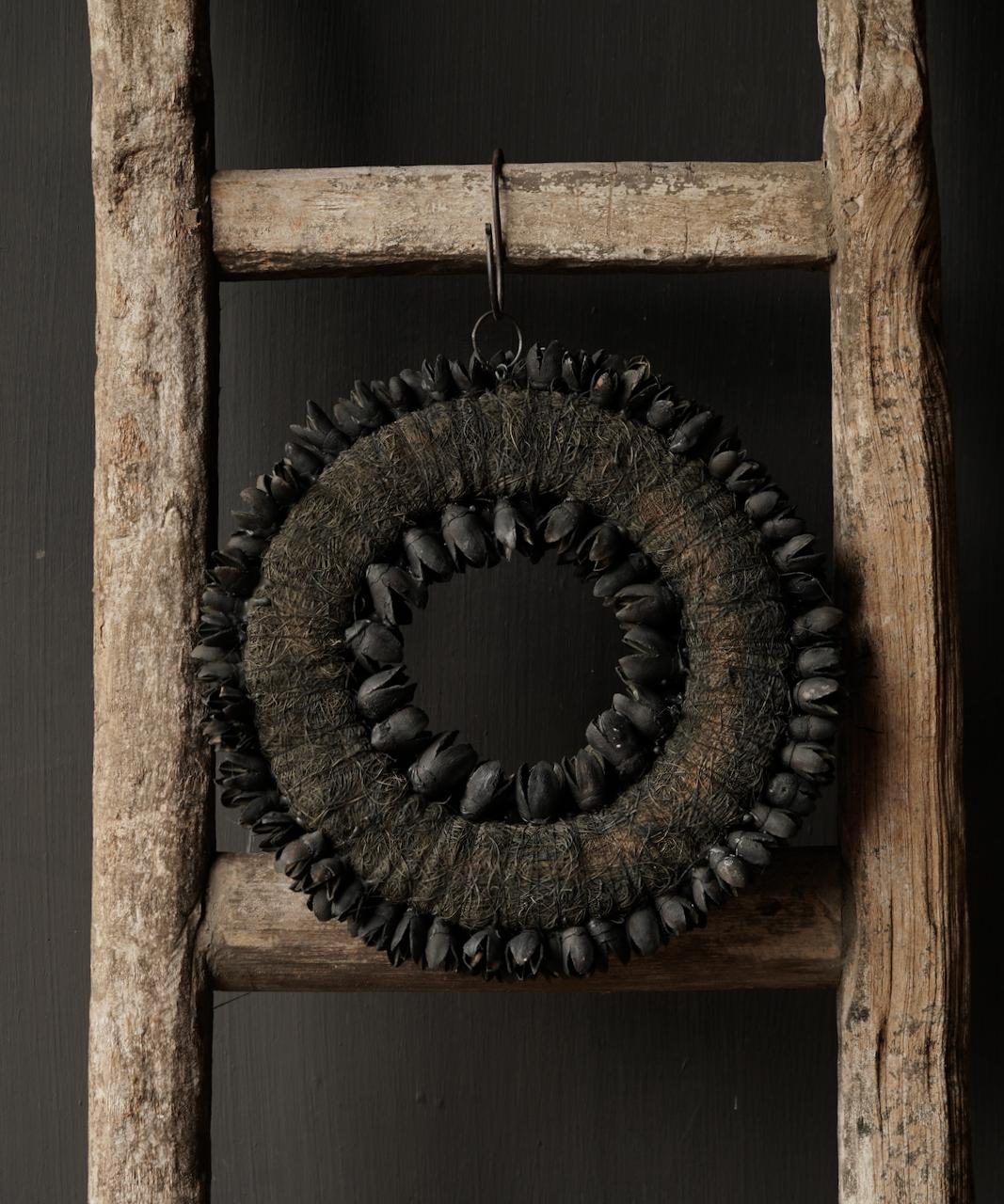 Bakuli (Buche Nüsse) Kranz schwarz-5