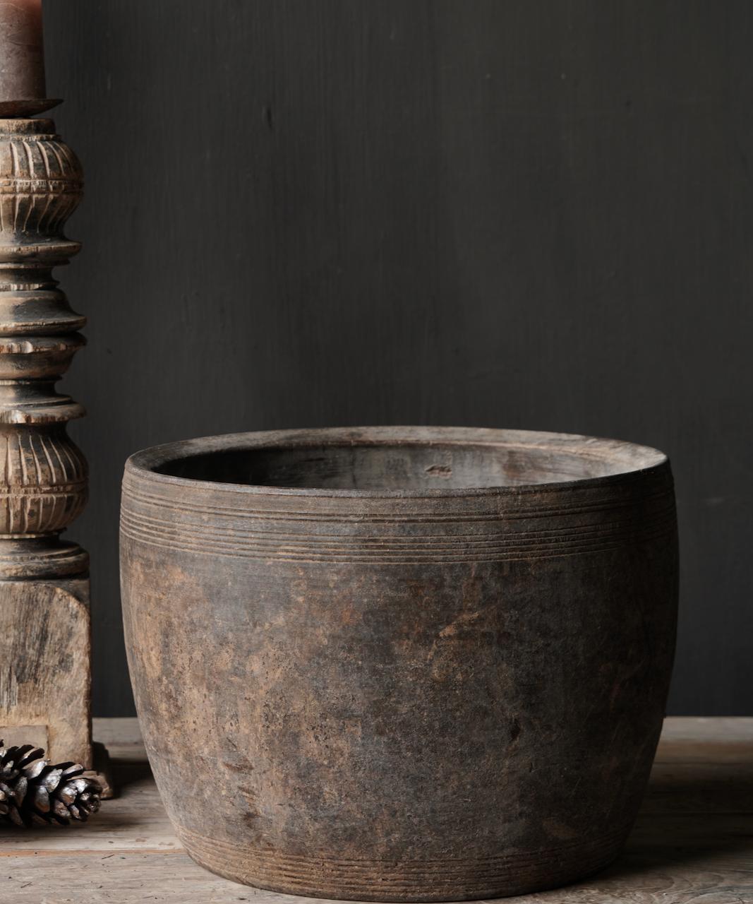 Nepalese oud houten Pot oftewel Vaas-5
