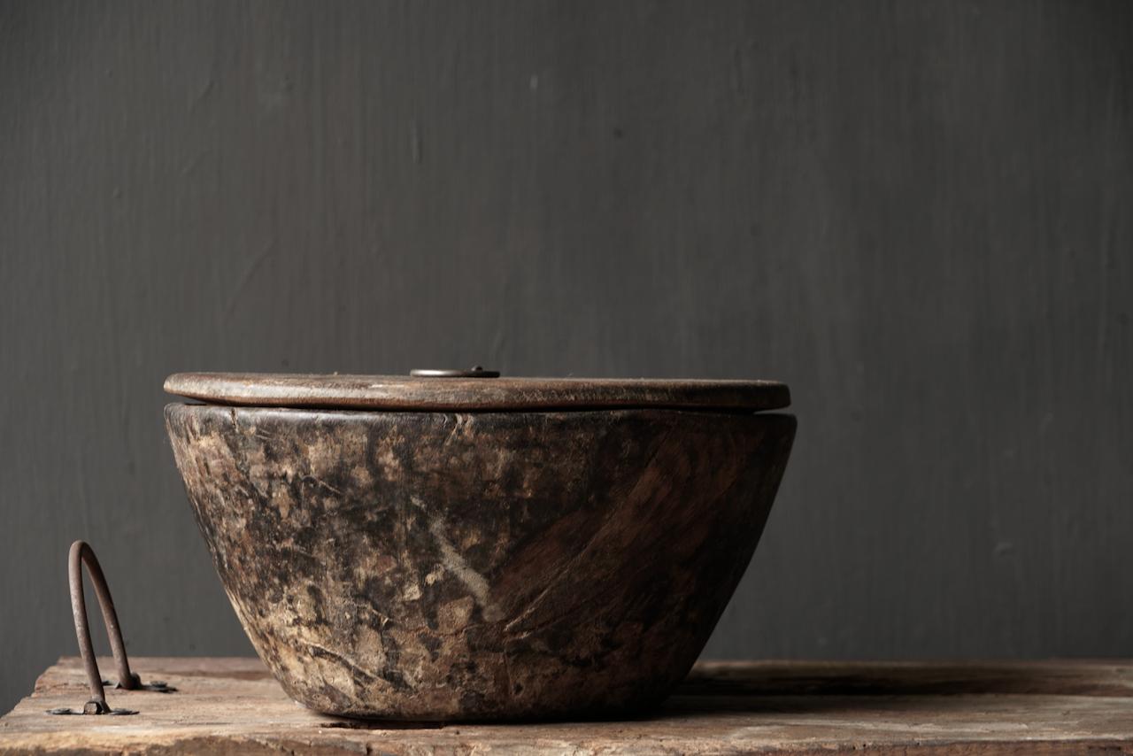 Nepalese oud houten Pot met deksel-3