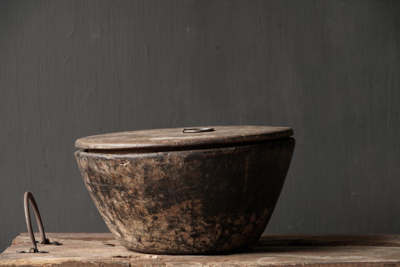 Nepalese oud houten Pot met deksel-5