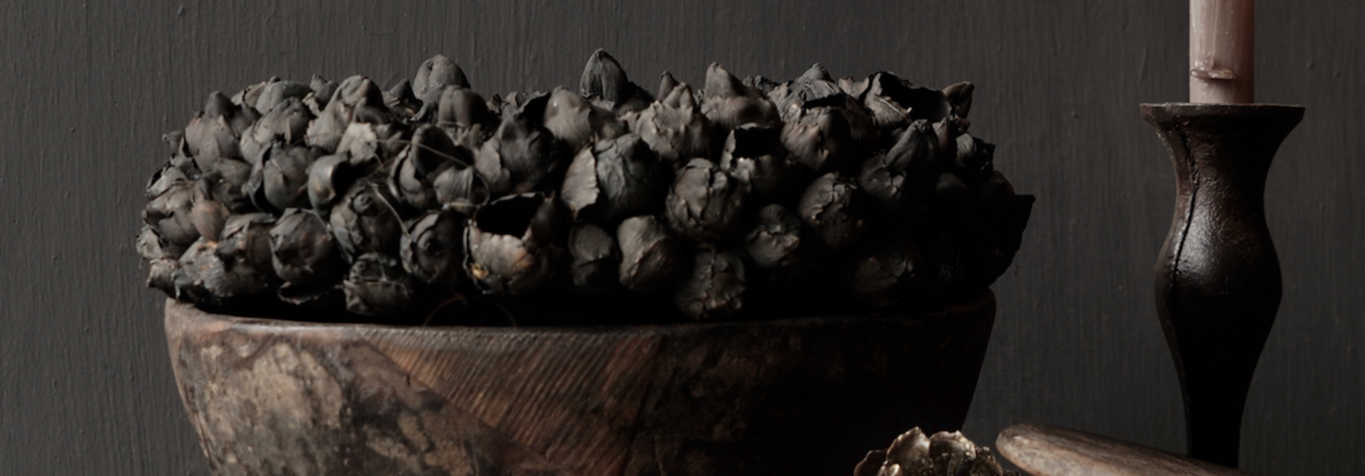 Nepalese oud houten Pot met deksel