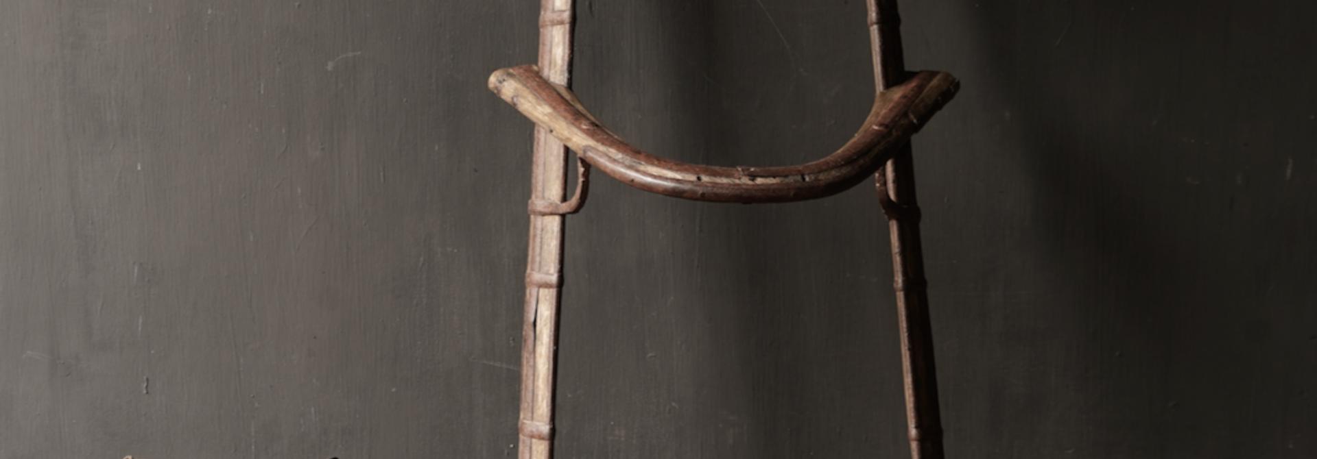 Oud Authentiek houten  Kameel zitting
