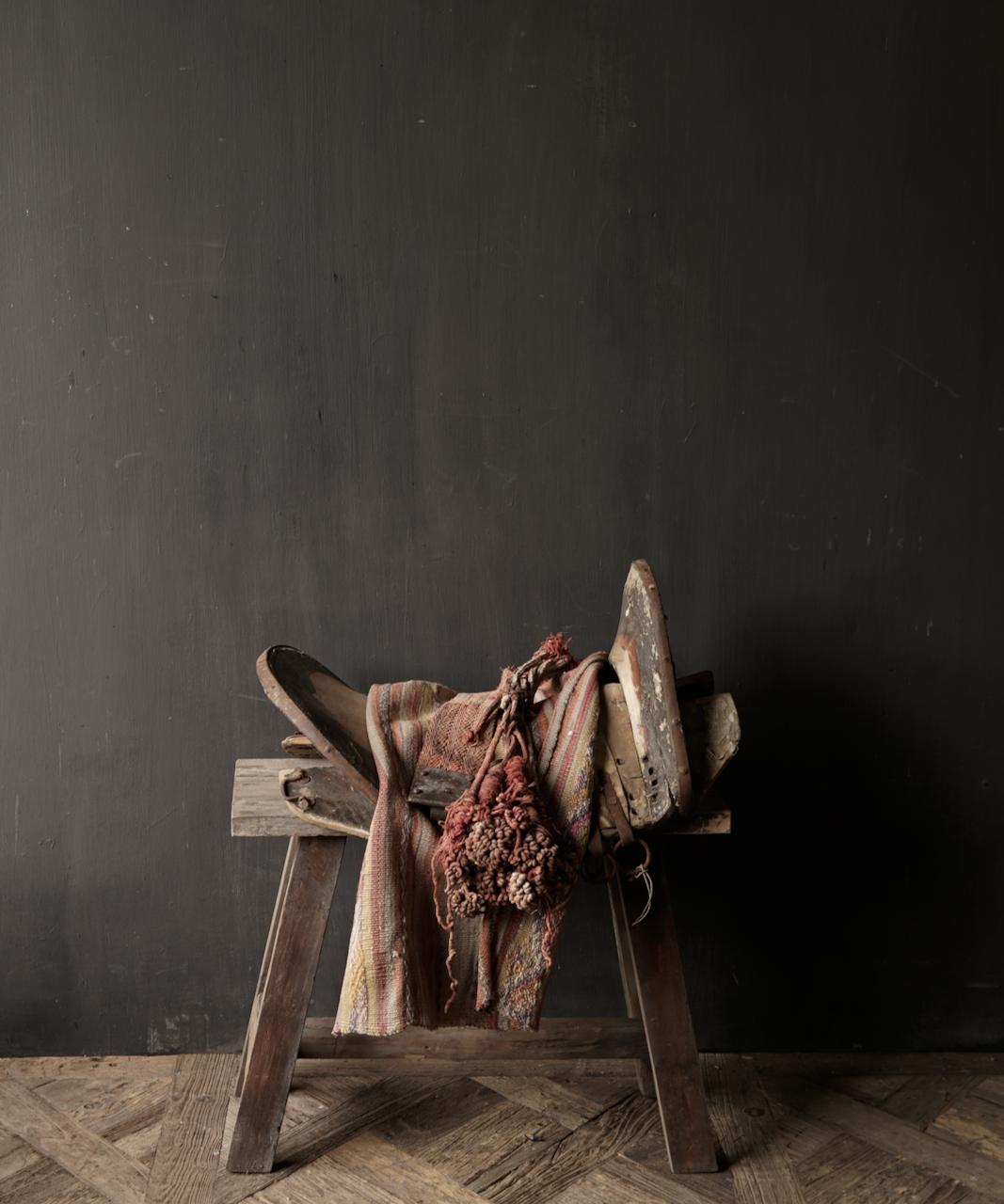 Antiek Oud Uniek houten zadel-1