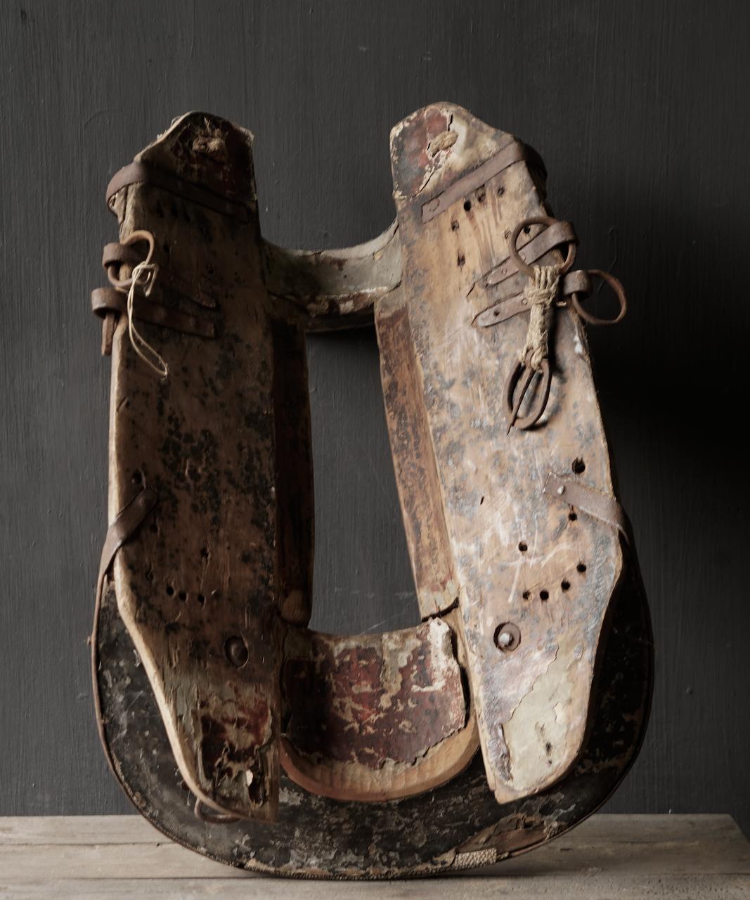 Antiek Oud Uniek houten zadel-7