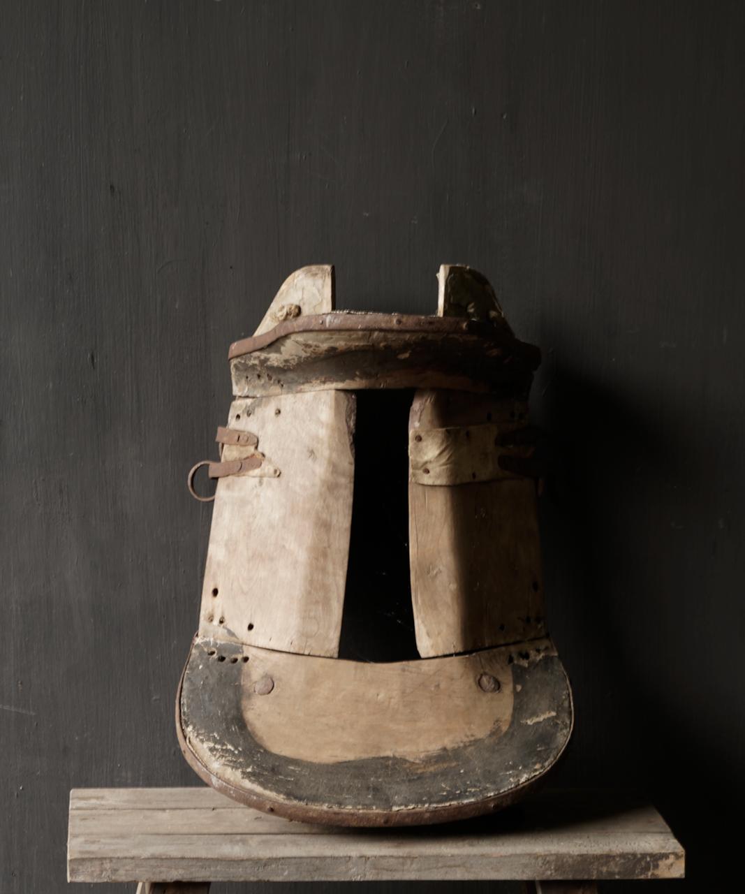 Antiek Oud Uniek houten zadel-8