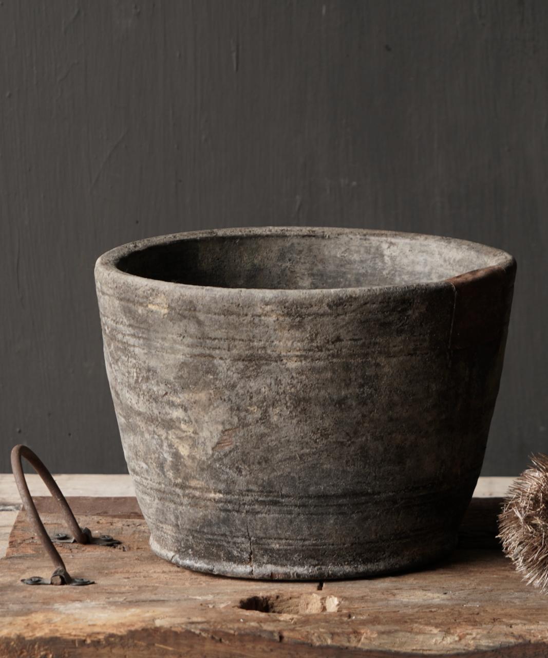 Nepalese oud houten Pot oftewel Vaas-4