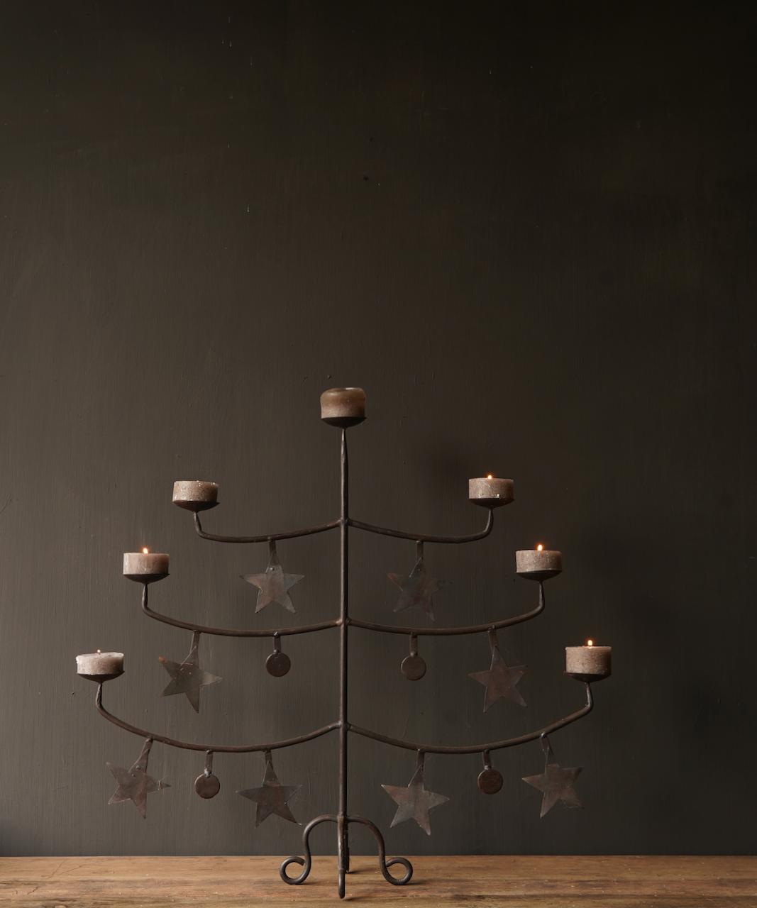 Eisenleuchter mit Sternen-2
