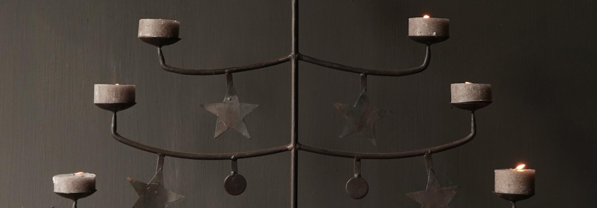 Eisenleuchter mit Sternen