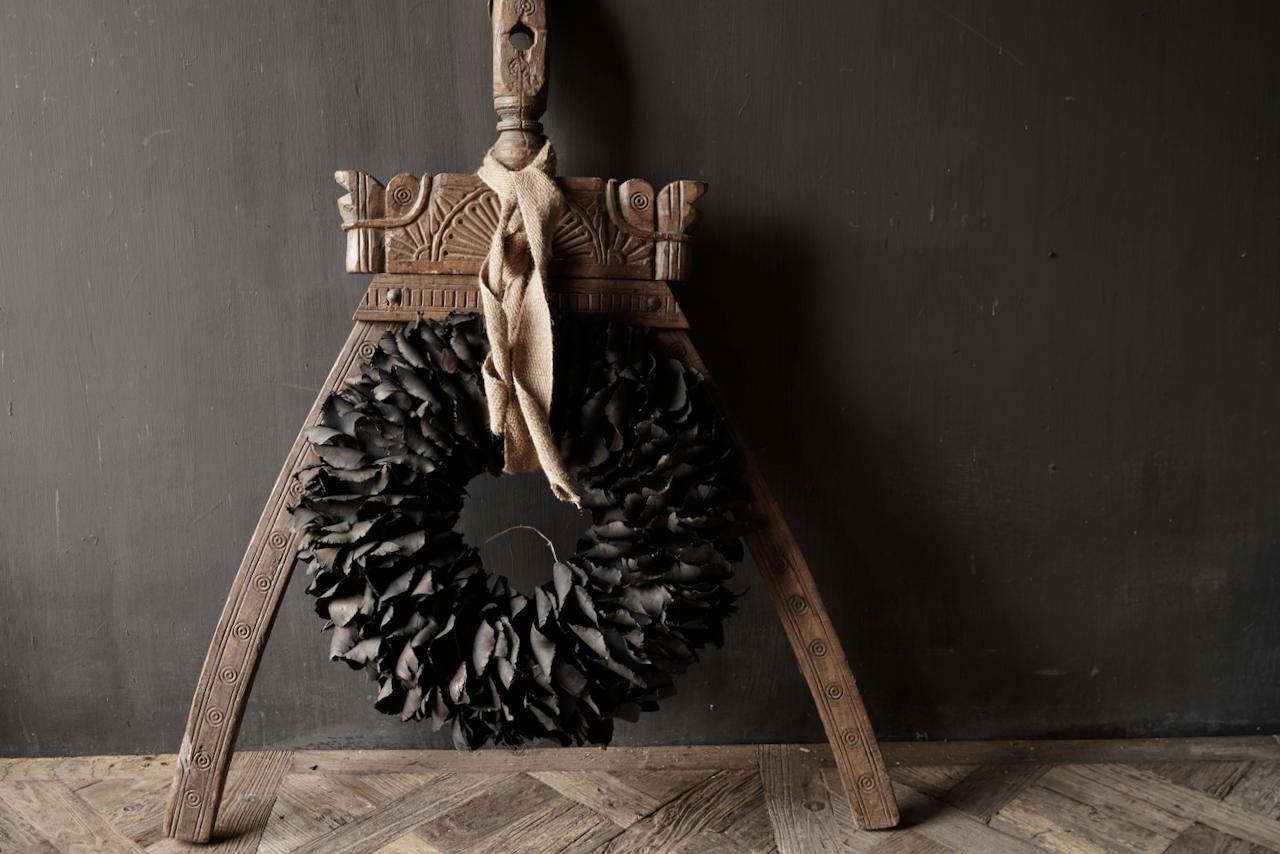 Einzigartige alte Holzverzierung-3