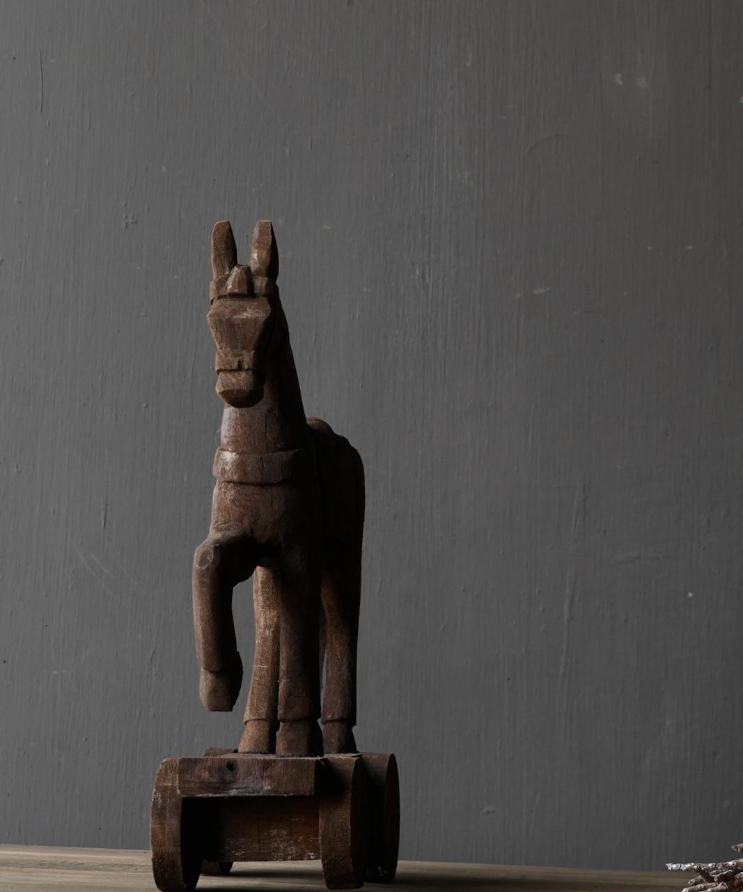Houten paardje handgemaakt van oud hout-2