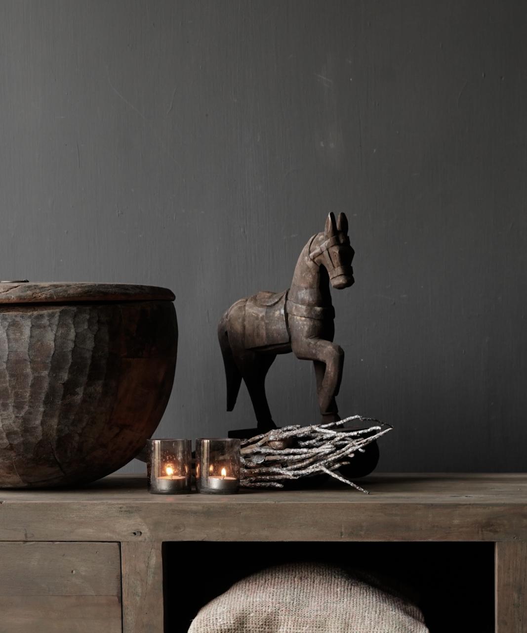 Houten paardje handgemaakt van oud hout-1