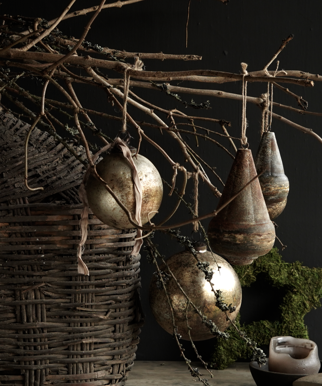 Iron Christmas Ornament Hanger Spool Spinning Top-2