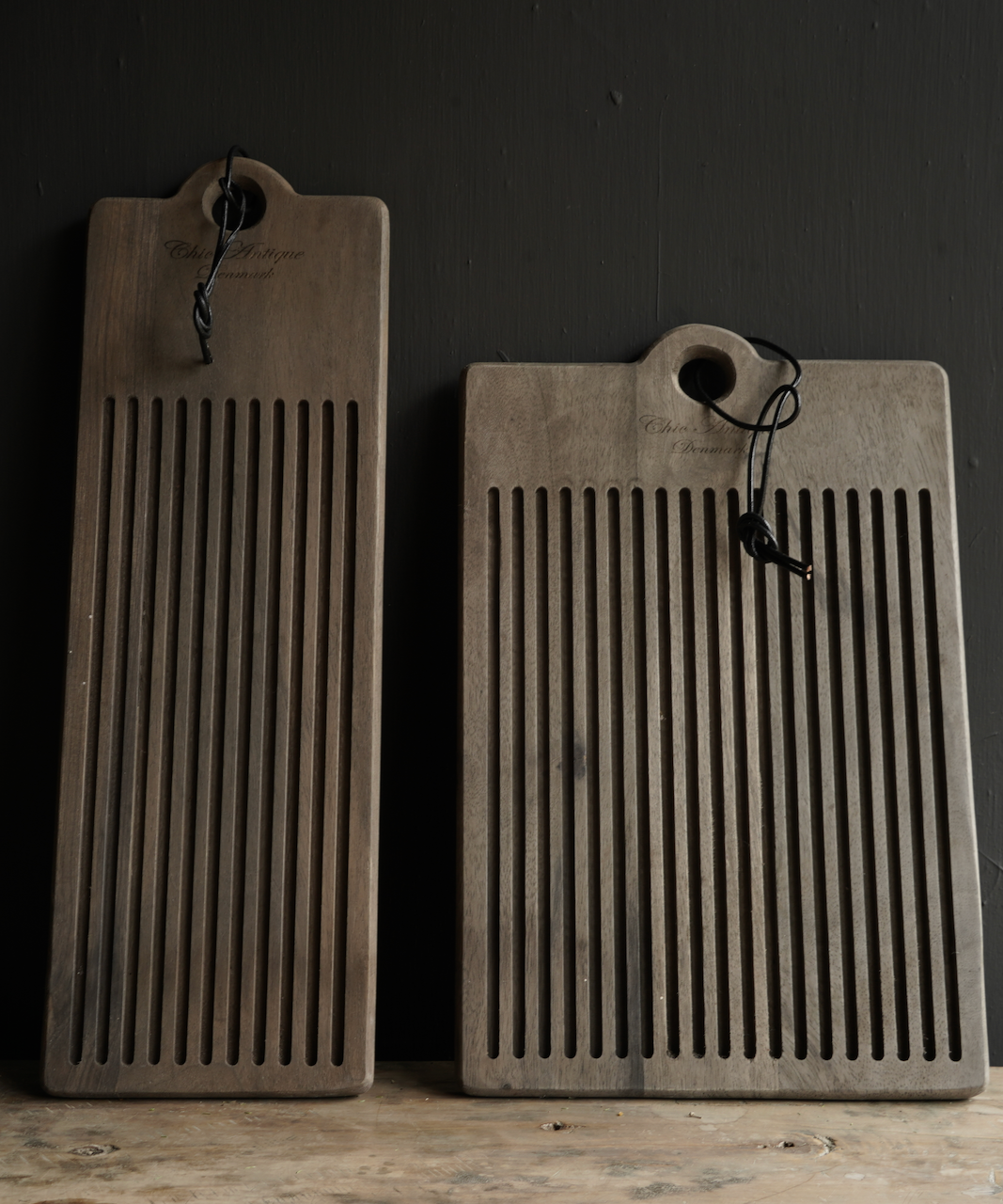 Steckbrett / Schneidebrett aus Holz mit Schlitzen-2