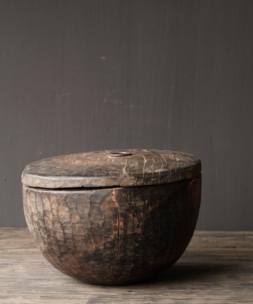 Oude Authentieke houten schaal met deksel-6