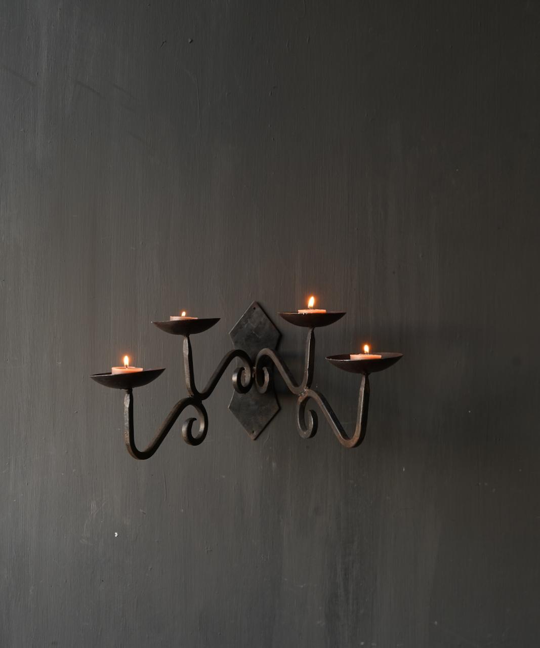 Eisen hängender Kerzenhalter-1