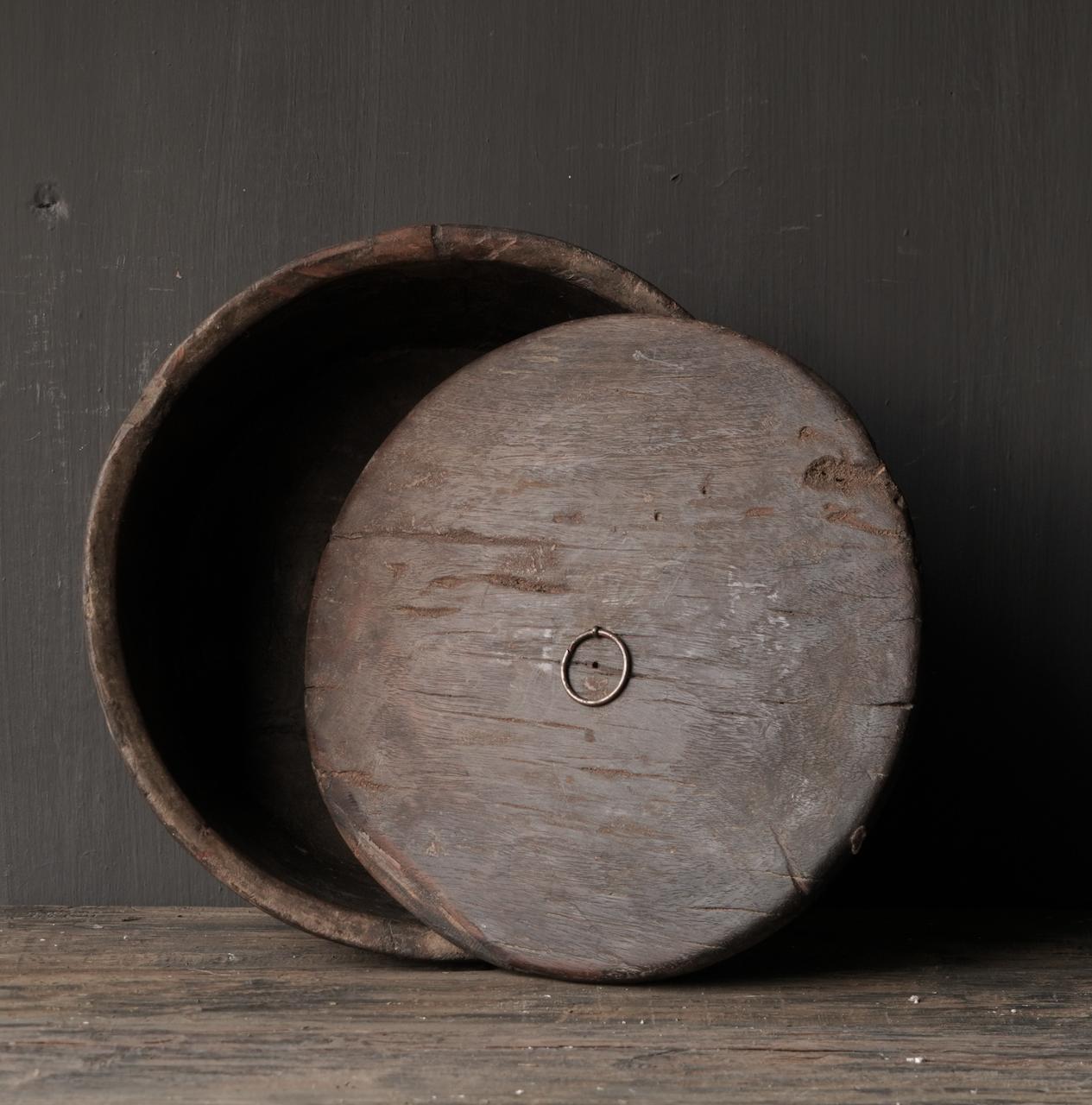 Alte authentische Holzschale mit Deckel-3